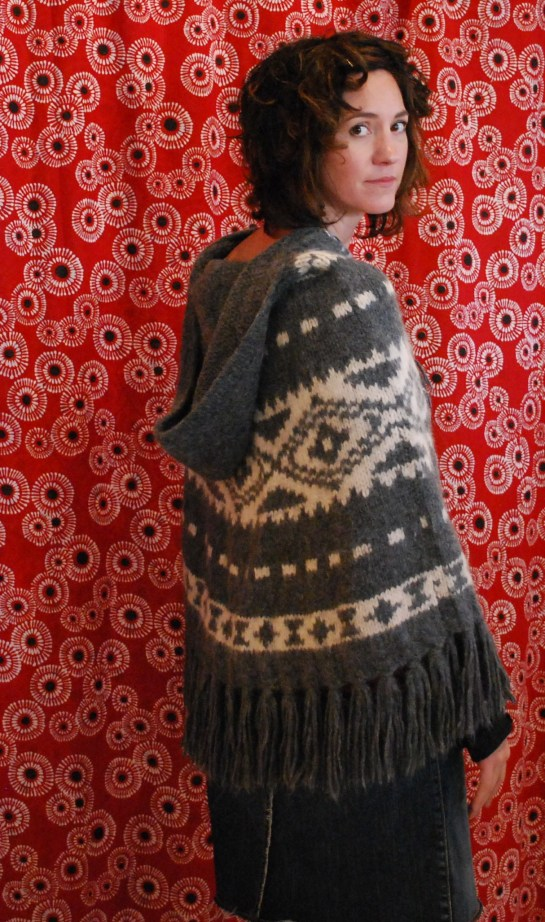 823 Alpaca Poncho, Odd Molly, Grey..Back
