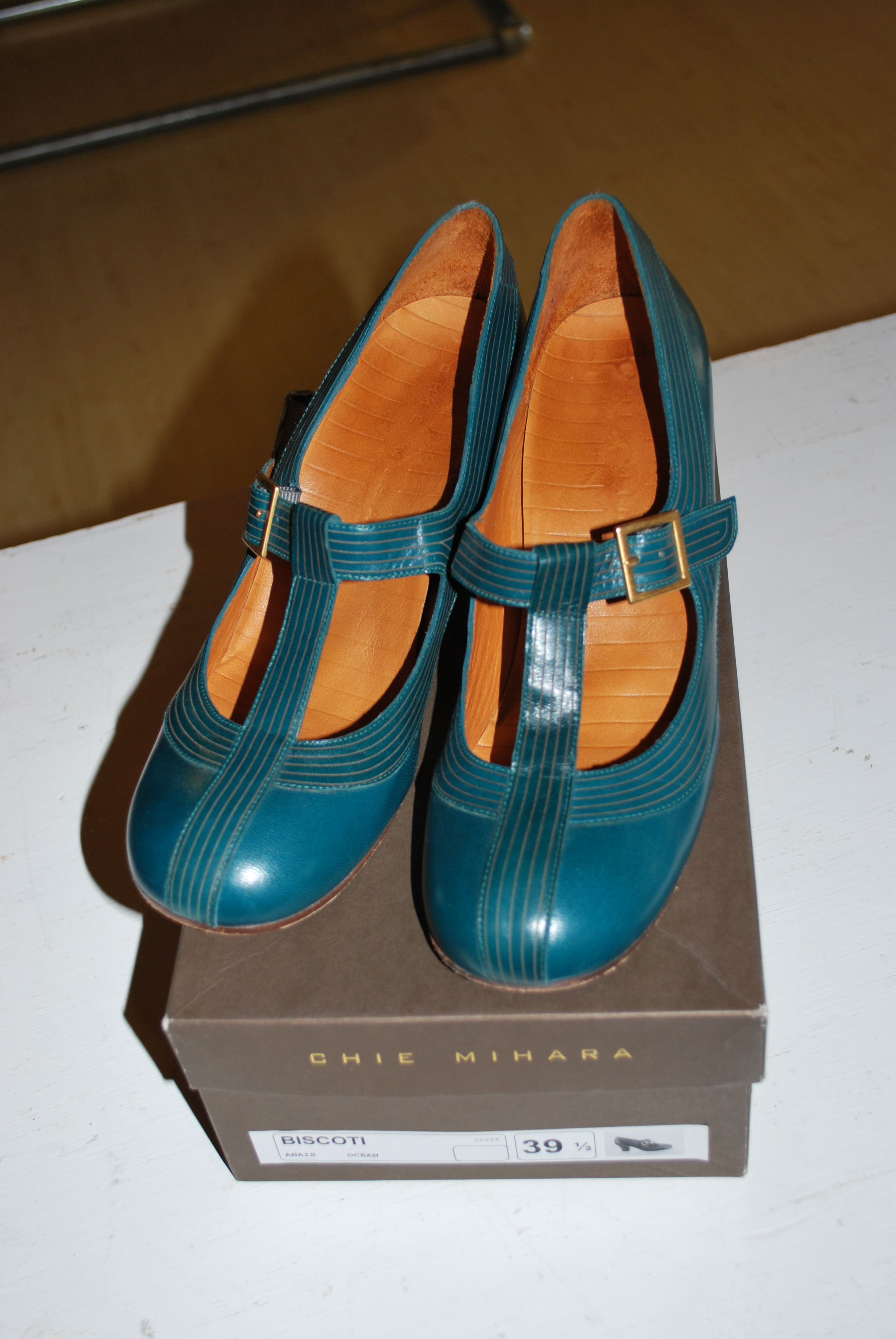 Items for sale chie mihara biscotti shoes hayden for Quirky items for sale
