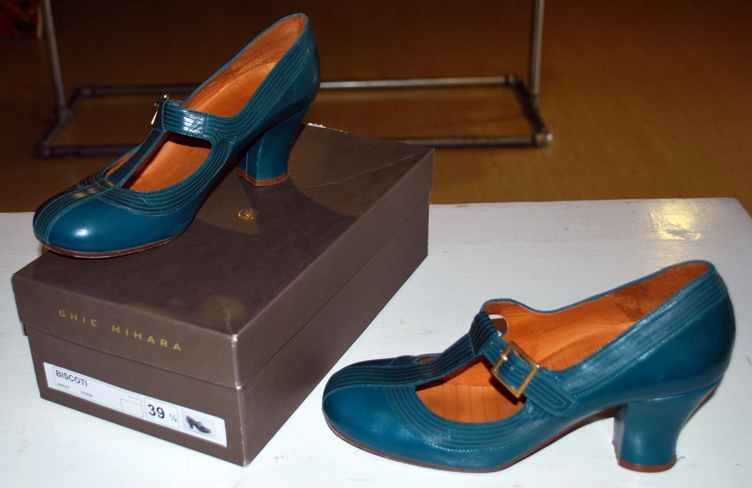 items for sale chie mihara biscotti shoes hayden harnett handbag eva franco anna sui lots. Black Bedroom Furniture Sets. Home Design Ideas